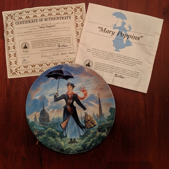 MARY POPPINS COLLECTORS PLATE